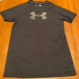 Under armour boys size Large fitted shirt